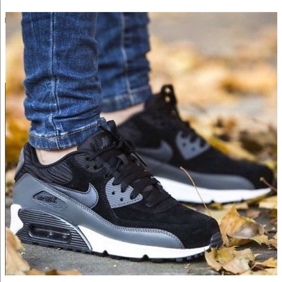 on sale 55a86 69877 Women's Nike Air Max 90 Leather